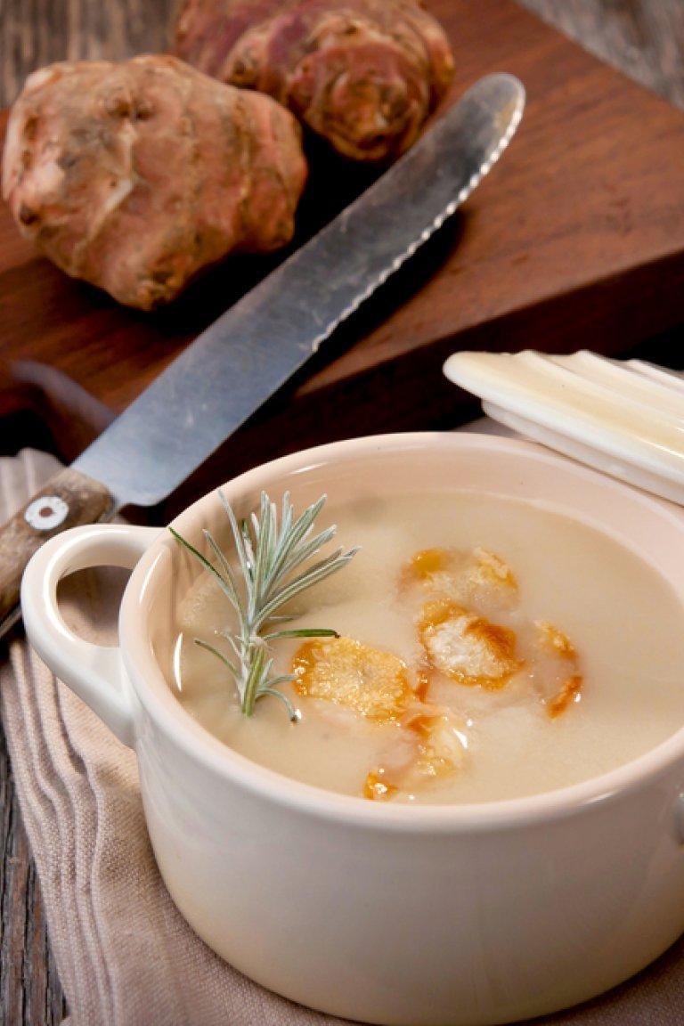 Σούπα από αγκινάρες Ιερουσαλήμ και κρουτόν