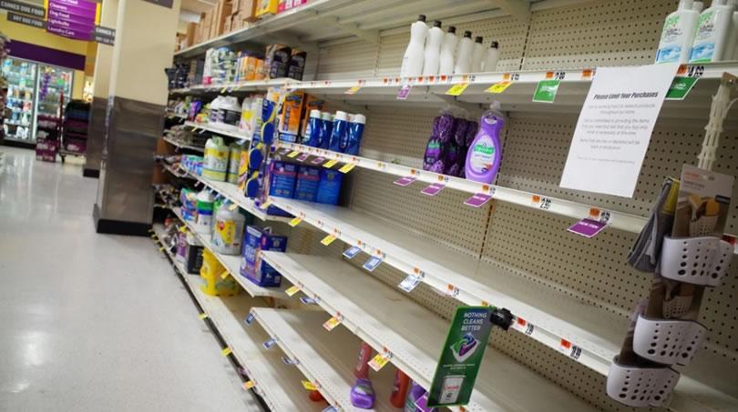 Βρετανία: Εκατομμύρια σε καραντίνα – Αδειάζουν τα ράφια των σούπερ μάρκετ – Εκκλήσεις στους καταναλωτές για ψυχραιμία