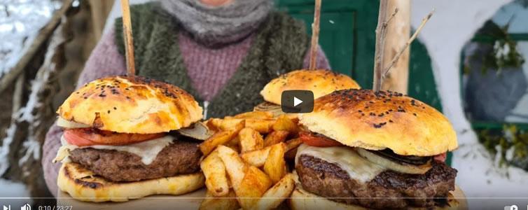 Read more about the article Χωριάτικο αρνίσιο burger
